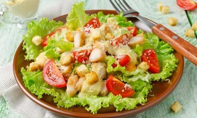 salat-cezar-dieticheskij-recept
