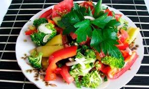 recept-salata-s-kapustoj-brokkoli