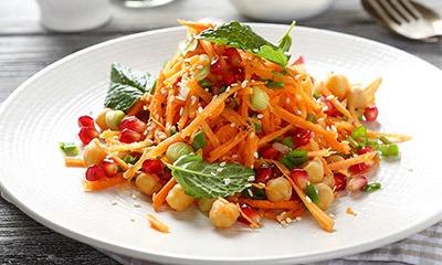 dieticheskij-morkovnyj-salat-s-granatom