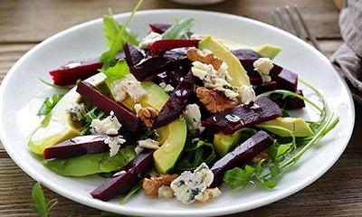 poleznyj-salat-iz-svekly-i-avokado