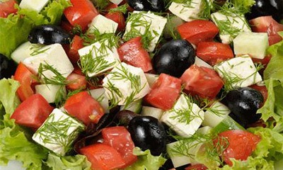 salat-s-adygejskim-syrom