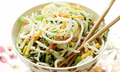 zhiroszhigayushchij-salat-iz-redki