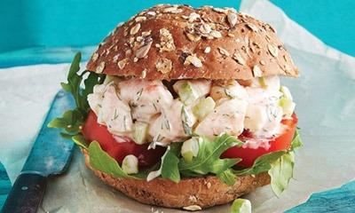 salat-iz-krevetok-i-pomidor