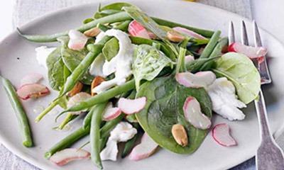 salat-iz-revenya-zelenoj-fasoli-i-greckogo-orekha