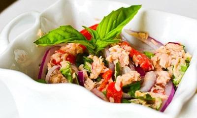 sredizemnomorskij-salat-iz-tunca